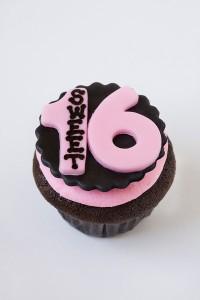 Sweet 16 Cupcake